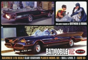 1966 Batmobile med Batman och Robin Figurer 1/25