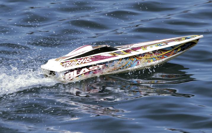 rc båtar-radiostyrda båtar